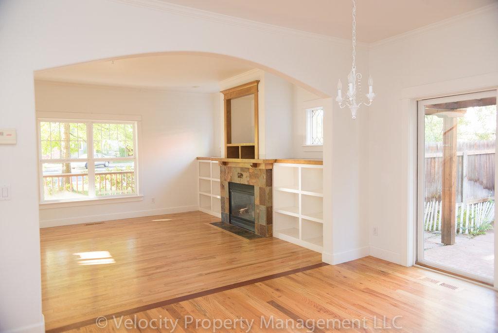 4 Bedroom, 3 Bath Lovely Eastside Home For Rent In Bend, Oregon